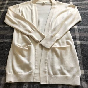 Ivory cardigan with pockets